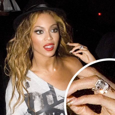 The Halo Diamond Engagement Ring Beyonce Fully Engaged