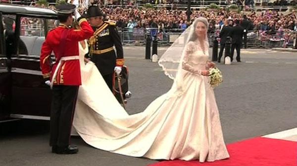 Princess Kate\'s Stunning Wedding Dress - Robbins Brothers Blog