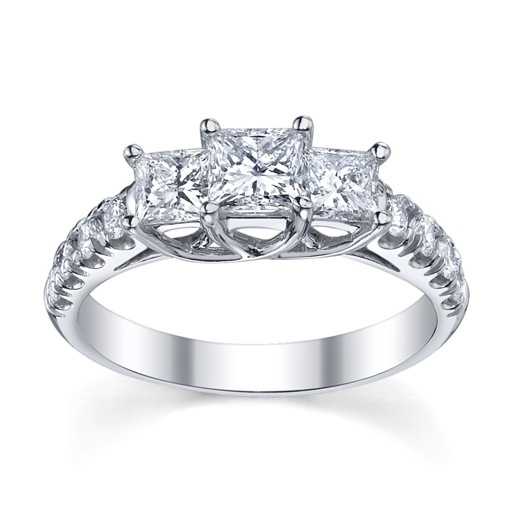 This Year We Have 14 Exquisite Diamond Engagement Rings