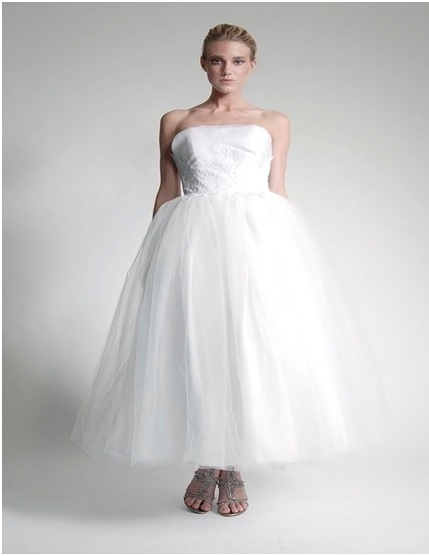 Eco friendly wedding gowns and accessories robbins for Eco friendly wedding dresses