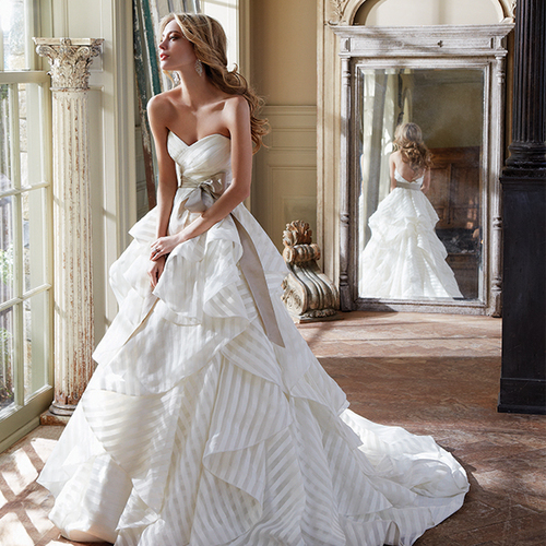 10 essentials you can take off your wedding checklist for Mon amie wedding dresses