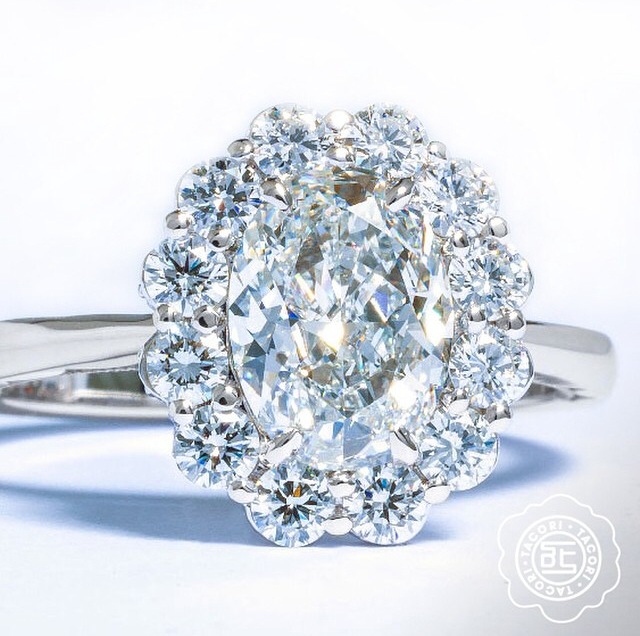 Celebrate Fall with a Gorgeous Oval Solitaire Engagement Ring from Tacori's Full Bloom collection.