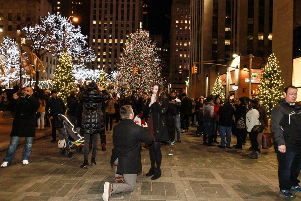 5 Signs That He Will Propose For The Holidays